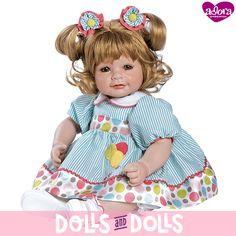 ¡NO TE QUEDES SIN ELLA!  Up, up and Away de la marca #Adora ha sido descatalogada y ya no se fabrica.  Si te gustaría comprarla, en nuestra web la encontrarás con otras #muñecas de la marca.  ¡Date prisa porque nos quedan muy pocas unidades!  #Dolls #AdoraDolls #Muñeca #Bonecas #Poupées #Bambole #MuñecasAdora
