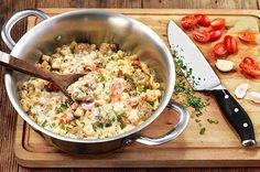 Κεφτεδάκια με κοφτό μακαρόνι σε υπέροχη σάλτσα
