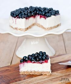 Goat Cheese Cake with Hazelnut, Easy and Cheap - Clean Eating Snacks Low Carb Cheesecake, Blueberry Cheesecake, Cheap Clean Eating, Clean Eating Snacks, Vegan Blueberry, Sweet Pie, Savoury Cake, Healthy Treats, Food Design