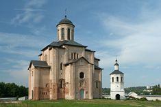 Церковь Михаила Архангела (Свирская) на пристани. XII век, 1197. Смоленск.