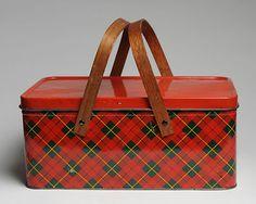 VINTAGE RED SCOTCH PLAID METAL TIN PICNIC  BASKET WOOD HANDLES