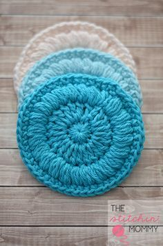 Easy Face Scrubbies - Free Pattern   www.thestitchinmommy.com #scrubbie #face #cotton #spa #shower #pad