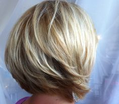 blond bob seamless layers  www.locksoflori.com
