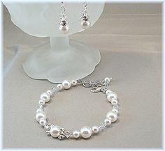 Bianco perla e cristallo Swarovski da Damigella di BridalDiamantes
