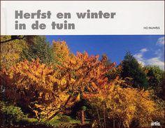 Bijna alle tuinboeken gaan over tuinen in het voorjaar en de zomer. Dit boek legt de nadruk op de herfst en de winter in de tuin. Deze seizoenen en de planten die dan opvallen, worden uitbundig beschreven. De kleuren en vruchten van de herfst worden na de verhalen samengevat in overzichtjes van bijvoorbeeld kleurende bomen en struiken.  www.bzof.nl