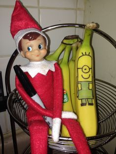 Elf on the Shelf: Minion banana