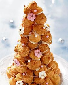 Heavenly Cream Puffs Are the Perfect Party Treat! Cannoli, Perfect Food, Perfect Party, Cream Puff Recipe, Croquembouche, Cupcakes, Eclairs, Profiteroles, French Pastries