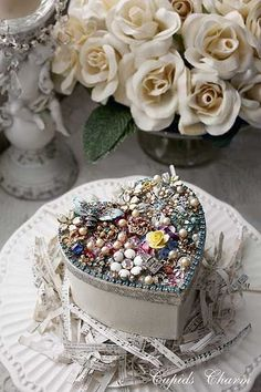 (via Pretty decorated box-photo only | More than a craft…♥)