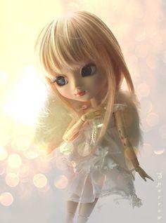 """Sparrow"" really does great photo's! Dragons, Dolly Doll, Anime Dolls, Creepy Dolls, Pretty Baby, Anime Art Girl, Cute Dolls, Ball Jointed Dolls, Blythe Dolls"