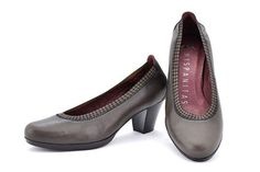 HI26891 Grey. Medium heel pump. For sublime everyday comfort and the utmost in elegant style, you can't go wrong with these pumps, ideal for your work outfits! #shoes #moda #hispanitas