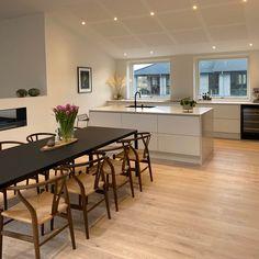 Living Room Inspiration, Interior Design Inspiration, Room Colors, Home Living Room, Kitchen Interior, Cool Kitchens, Sweet Home, House Design, House Styles