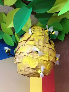 Crea una colmena para decorar la clase