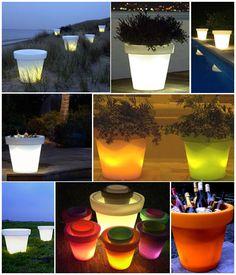 Maceteros ilumindados de la firma Bloom