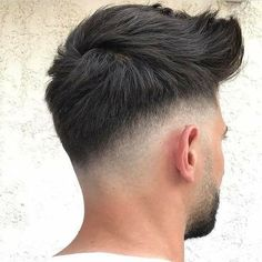 15 Coolest Short Hairstyles for Men 2019 – Fashion Looks 2019 – Men's Hairstyles and Beard Models Mens Medium Length Hairstyles, Cool Short Hairstyles, Trendy Haircuts, Hairstyles Haircuts, Haircuts For Men, Mens Hairstyles 2018, Oval Face Hairstyles, Modern Haircuts, African Hairstyles