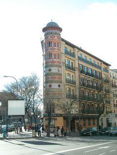 EDIFICIOS singulares de MADRID   Curiosos Incompletos