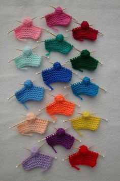 Miniature Knitting Pin or Magnet - Do you know someone who loves to knit? This miniature knit piece would make them smile! You choose - Knit Christmas Ornaments, Christmas Knitting, Knitting Projects, Crochet Projects, Baby Knitting Patterns, Crochet Patterns, Free Knitting, Crochet Ideas, Yarn Crafts