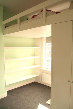 Hoogslaper met kastruimte laden en buro ideen voor het huis pinterest - Loft bed met opbergruimte ...