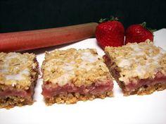 Culinary in the Desert: Strawberry-Rhubarb Oatmeal Bars