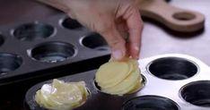 Hun skærer 1 kg kartofler i skiver, og tager muffinformen frem. Vegetable Pasta, Vegetable Dishes, Vegetable Recipes, Potato Snacks, Potato Dishes, Wine Recipes, Cooking Recipes, Parmesan Potatoes, Good Food