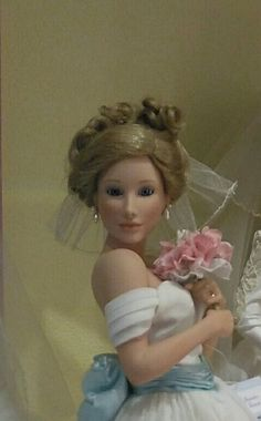 Puppenmuseum in St Wolfgang Austria Vier Jahreszeiten Girls Dresses, Flower Girl Dresses, Austria, Wedding Dresses, Flowers, Fashion, Four Seasons, Dresses Of Girls, Bride Dresses