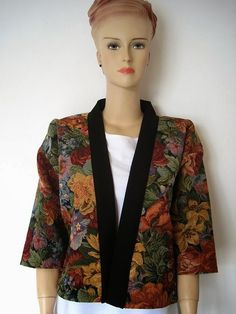 FREE sewing pattern for this kimono jacket on Greenie Dresses for Less.