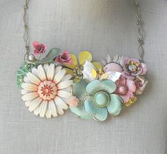 Brooch necklace