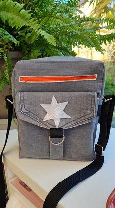 Pochette Jive en jean gris cousue par Vanessa - Patron Sacôtin