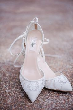 Lace wedding pumps. Valentino. Photography: Julie Paisley juliepaisleyphotography.com