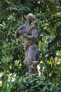 Narciso do Chafariz das Marrecas, no Jardim Botânico do Rio de Janeiro Garden Sculpture, Lion Sculpture, Statue, Outdoor Decor, Art, Rio De Janeiro, Ancient History, Parks, Green