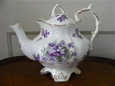 HAMMERSLEY VICTORIAN VIOLETS COUNTRYSIDE TEAPOT - ENGLAND