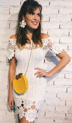 Feito à mão by Lúcia Costa: Tudo da moda Crochet Designs, Crochet Patterns, Hand Crochet, Knit Crochet, Fabric Flower Pins, Modern Crochet, Summer Knitting, Crochet Accessories, Blouse And Skirt