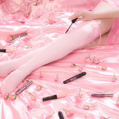 Benefit Mascara, Straightener, Hair, Beauty, Beauty Illustration, Strengthen Hair