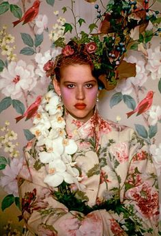 Molly Ringwald for Vogue magazine 1985 by Sheila Metzner Molly Ringwald, Portrait Photography, Fashion Photography, Eugenia Loli, Vogue Magazine, Look Cool, Character Inspiration, Videos, Creations