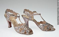 M976.37.27.1-2Shoes Fenton 1950-1960, 20th century
