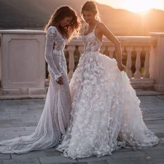 Brides dream of having the perfect wedding day, however for this they require the perfect bridal gown, with the bridesmaid's outfits actually complimenting the brides-to-be dress. These are a number of tips on wedding dresses. Cute Wedding Dress, Wedding Dress Trends, Long Wedding Dresses, Perfect Wedding, Wedding Day, Bride Dresses, Lace Wedding, Floral Wedding, Wedding White