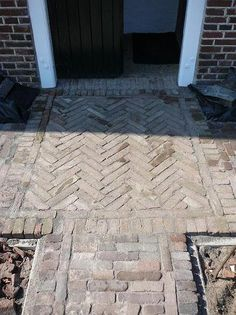 sander, hovenier, schuurman, boomverzorging, boomverzorger, tuinontwerp, tuinaanleg, tuinonderhoud, aalten, dinxperlo, winterswijk, lichtenvoorde, varsseveld, doetinchem Brick Garden, Garden Paths, Outside Steps, Brick Projects, Brick Paving, Brick Architecture, Garden Maintenance, Tree Care, Home Landscaping