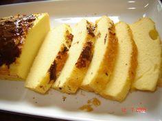 ***LIGHT***+Yoghurtcake.  3+eieren  1+kleine+magere+yoghurt+of+kefir+(150g)  1+theelepel+zoetstof+  4+eetlepels+maizena  2+theelepels+bakpoeder  een+paar+druppels+vanille++(of+amandelsmaak).+  Warm+de+oven+voor+op+180+graden+C.  Meng+alle+ingrediënten+tot+een+glad+deeg+.  Giet+in+een+beboterde+bakvorm.  Bak+40+minuten.+