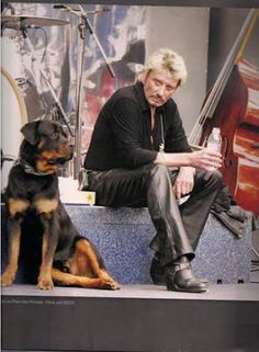 les ami(es) de Johnny Hallyday !!!!! – Communauté – Google+ Johnny Haliday, Marnes La Coquette, Vartan Sylvie, Christian Audigier, Rock N Roll, Boss, Singer, Photos, Portrait
