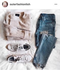 Simple outfit perfect for a colder spring day - butter white pullover ripped clasic jeans and white sneakers -  Seen on @outerfashionlish instagram