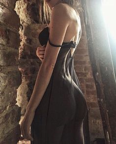 Indulge In Luxuries: Photo Sexy Outfits, Fashion Outfits, Womens Fashion, Jolie Lingerie, Body Fitness, My Girl, Hot Girls, Ideias Fashion, Backless