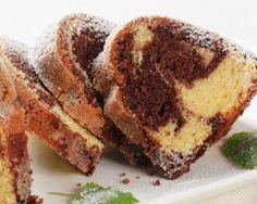 Czech Bábovka or Marble cake is typical sweet bakery product. Many people remember the time when they were children and there was always a marble cake on their Marble Cake, Food Cakes, Breakfast Cake, Breakfast Recipes, Sweet Recipes, Cake Recipes, Easy To Make Breakfast, Sem Gluten Sem Lactose, Czech Recipes