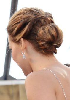 Jennifer Lawrence's oscars up-do.