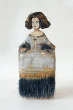 Artist Rebecca Szeto Transforms Old Paintbrushes into Beautiful Portraits Paint Brush Art, Paint Brushes, Junk Art, Art Populaire, Found Object Art, Paperclay, Assemblage Art, Art Graphique, Recycled Art