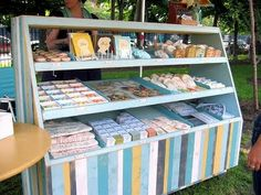nice idea for displaying items at a craft show