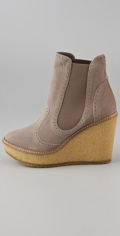 Very cute boots! Perfect for fall $350
