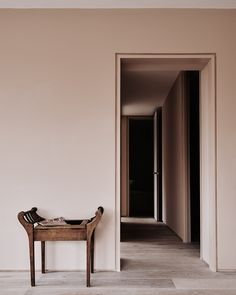 architraves with shadow gaps | doorway details | Michael Sinclair | Chan & Eayrs
