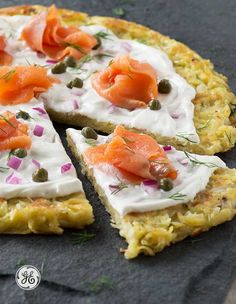 Game time = Snack time. This smoked salmon potato pizza will have the fans cheering before kick-off!