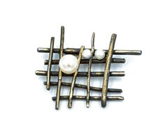 Sterling silver cross wire  brooch, set with Cultured pearls