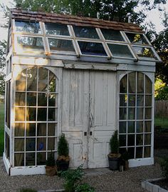Image from http://kellymcompton.com/wp-content/uploads/2014/07/salvaged-greenhouse.jpg.