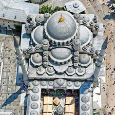 """islamic-art-and-quotes: """"Aerial View of the New Mosque (Yeni Camii) in Istanbul, Turkey (Ottoman Architecture) [This photo was earlier incorrectly labelled as the Selimiye Mosque in Edirne, Turkey.] Originally found on: islamic-cultures """" Art Et Architecture, Islamic Architecture, Beautiful Architecture, Byzantine Architecture, Renaissance Architecture, Historical Architecture, Hagia Sophia Istanbul, Sultan Ahmed Mosque, Sainte Sophie"""
